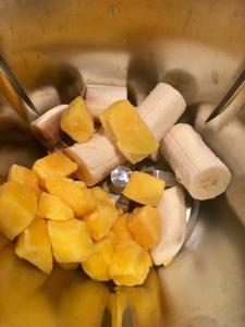 Smoothie Bowle mit Banane und Ananas aus dem Thermomix von Vorwerk